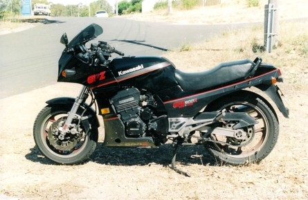 Gpz900r anyway heres a couple of photos of the old girl just before i sold her fandeluxe Images